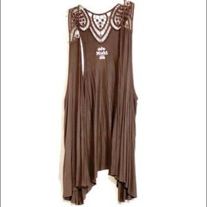 MUDD Medium brown rayon crochet lace vest